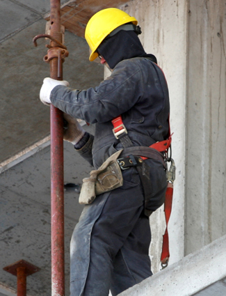worker in fall protection
